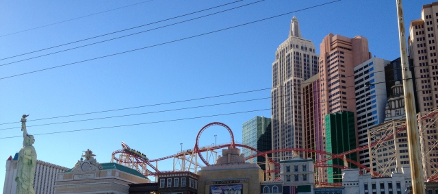 A New York skyline in Las Vegas complete with a Statute of Liberty and Roller coaster?©Jean Janssen