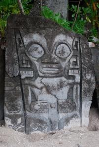 Tiki idol found on our motu stop on Bora Bora, Society Islands, French Polynesia©Jean Janssen