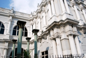 The Penang State Museum, a former colonial school building partially destroyed by Japanese bombs during WWII ©Jean Janssen