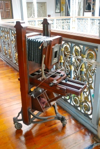 Old camera in the Pinang Peranakan Mansion Georgetown, Penang, Malaysia ©Jean Janssen