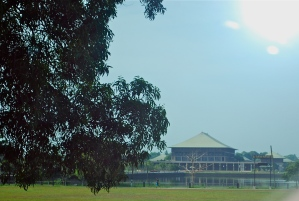 Sri Lanka's new Parliament building from 1985.  The old one is a British colonial building across from Galle Face Green. ©Jean Janssen