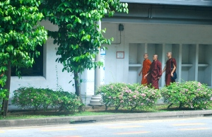 Near the Bugi District, we saw three young Buddhist priests walking along the street. ©Jean Janssen