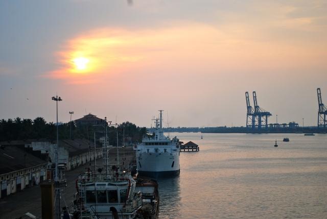 sunset at Kochi, India. ©Jean Janssen