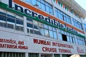 At the dock in Mumbai (Bombay), India. ©Jean Janssen