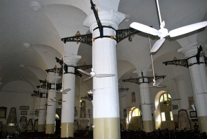 Interesting ceiling fans in the St. Thomas Church of North India in the fort district of Mumbai. ©Jean Janssen