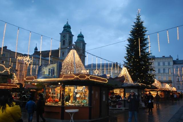 Christmas Market in Linz, Austria. ©Jean Janssen