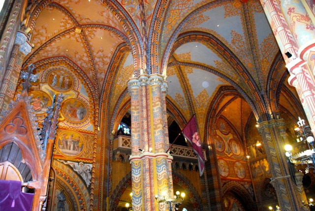 interior, St. Matthias Church, Budapest ©Jean Janssen
