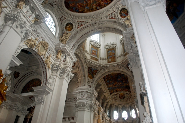 St. Stephen's Cathedral, Passau, Germany ©Jean Janssen