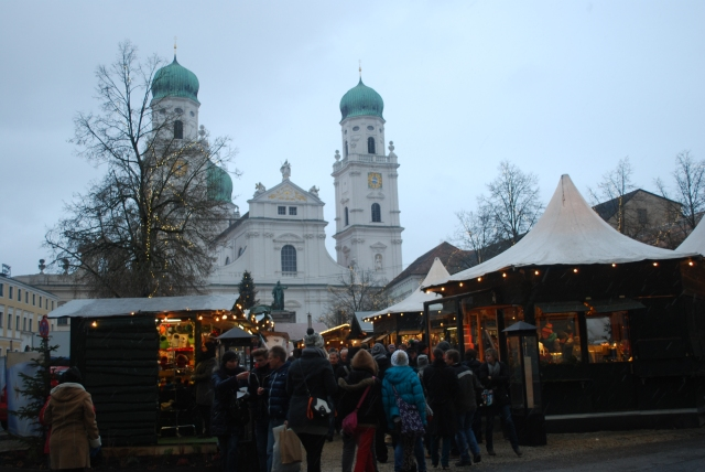 The Christmas Market in Passau, Germany just in front of St. Stephen's. ©Jean Janssen