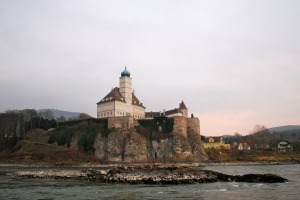 Along the Danube in the Wachau Valley ©Jean Janssen