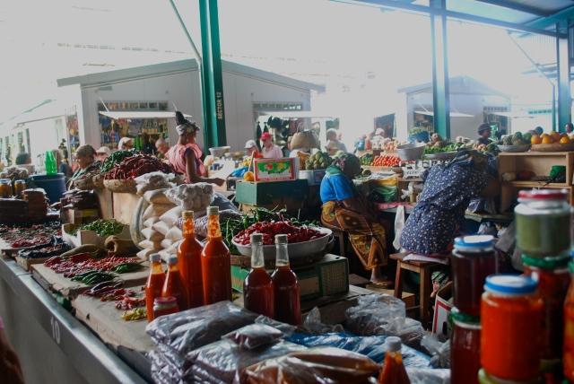 Inside the municipal market, Maputo, Mozambique   ©Jean Janssen