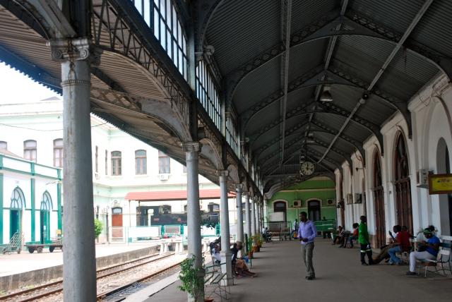 Maputo train station, Mozambique.   ©Jean Janssen