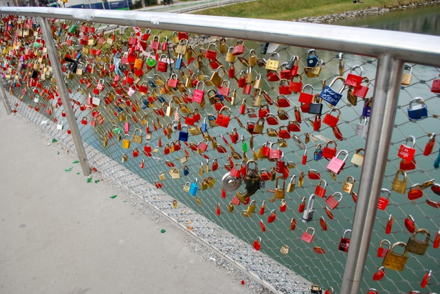Padlocks on a footbridge over the Salt River.  Salzburg, Austria ©Jean Janssen