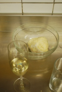 I did pretty well with step 1 and 2.  Note completed dough and refilled glass of prosecco. ©Jean Janssen