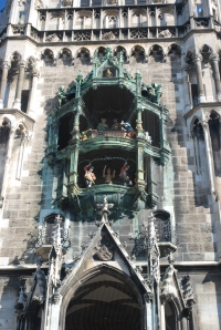Rathaus glockenspiel chimes at 11 am and enacts two stories from the 16th century.  It is part of the second contraction phase of the Rathaus and dates from 1908. ©Jean Janssen