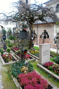 Beautiful ironwork and gravesite gardens. St. Peter's, Salzburg ©Jean Janssen