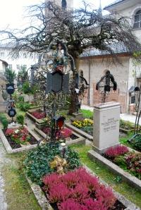 Beautiful ironwork and gravesite gardens. St. Peter's, Salzburg ©Jean Janssen
