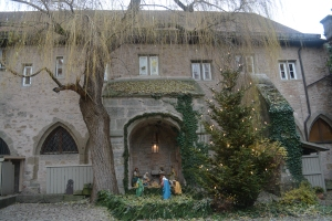 Franciscan Church courtyard nativity scene. Rothenburg, Germany ©Jean Janssen