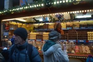 The infinite variety of the cloud kiss.   Frankfurt Christmas Market. ©Jean Janssen