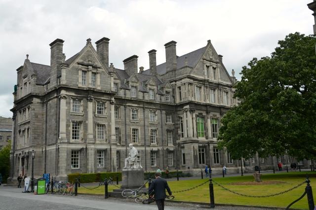 Trinity College campus, Dublin, Ireland ©Jean Janssen