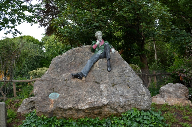 Statue of Oscar Wilde in Merrion Square Park, Dublin, Ireland ©Jean Janssen