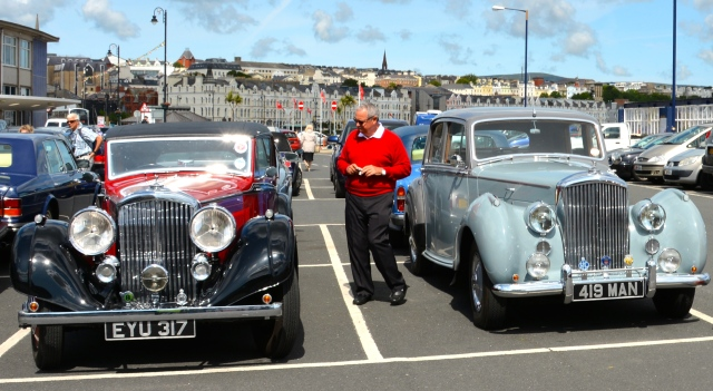 Selections from the Isle of Man's Bentley Club were at the Sea Terminal. ©Jean Janssen