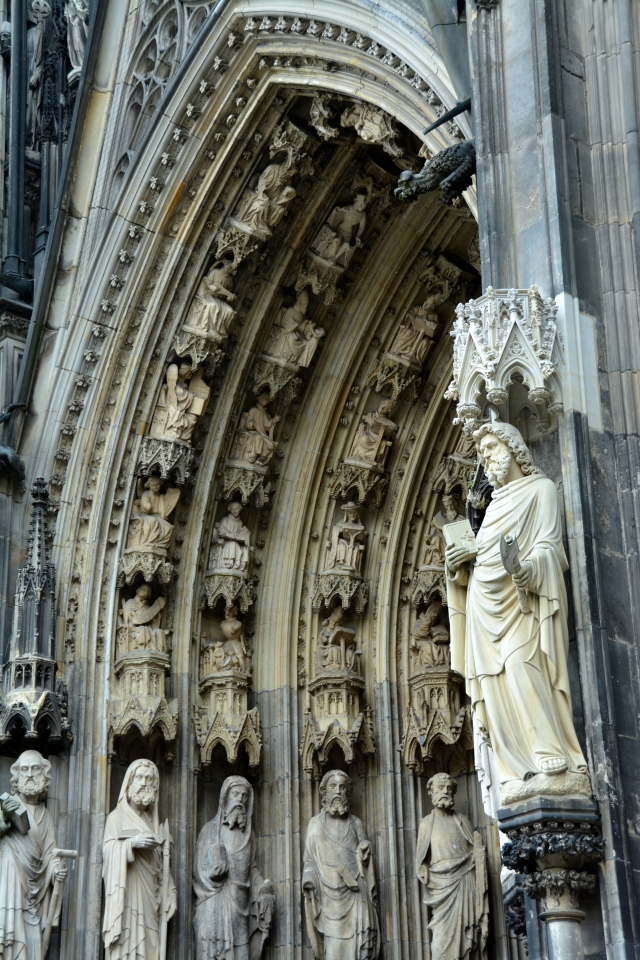 Detail on the entrance to Cologne, Cathedral ©Jean Janssen