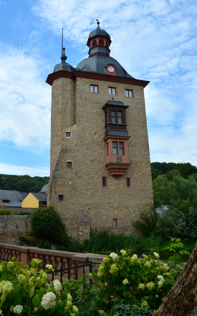 Schloss Vollrads, near Rudesheim, Germany ©Jean Janssen