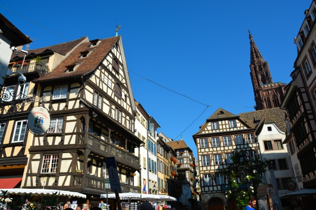 Strasbourg's old city on the way from the Raven's Bridge to the Cathedral of Our Lady. ©Jean Janssen