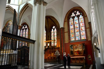 Photo ©Jean Janssen. Beautiful stained glass in The Church of Our Lady in Bruges, Belgium